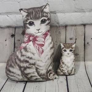 SET OF 2 VINTAGE PLUSH CAT PILLOWS CAT LOVER